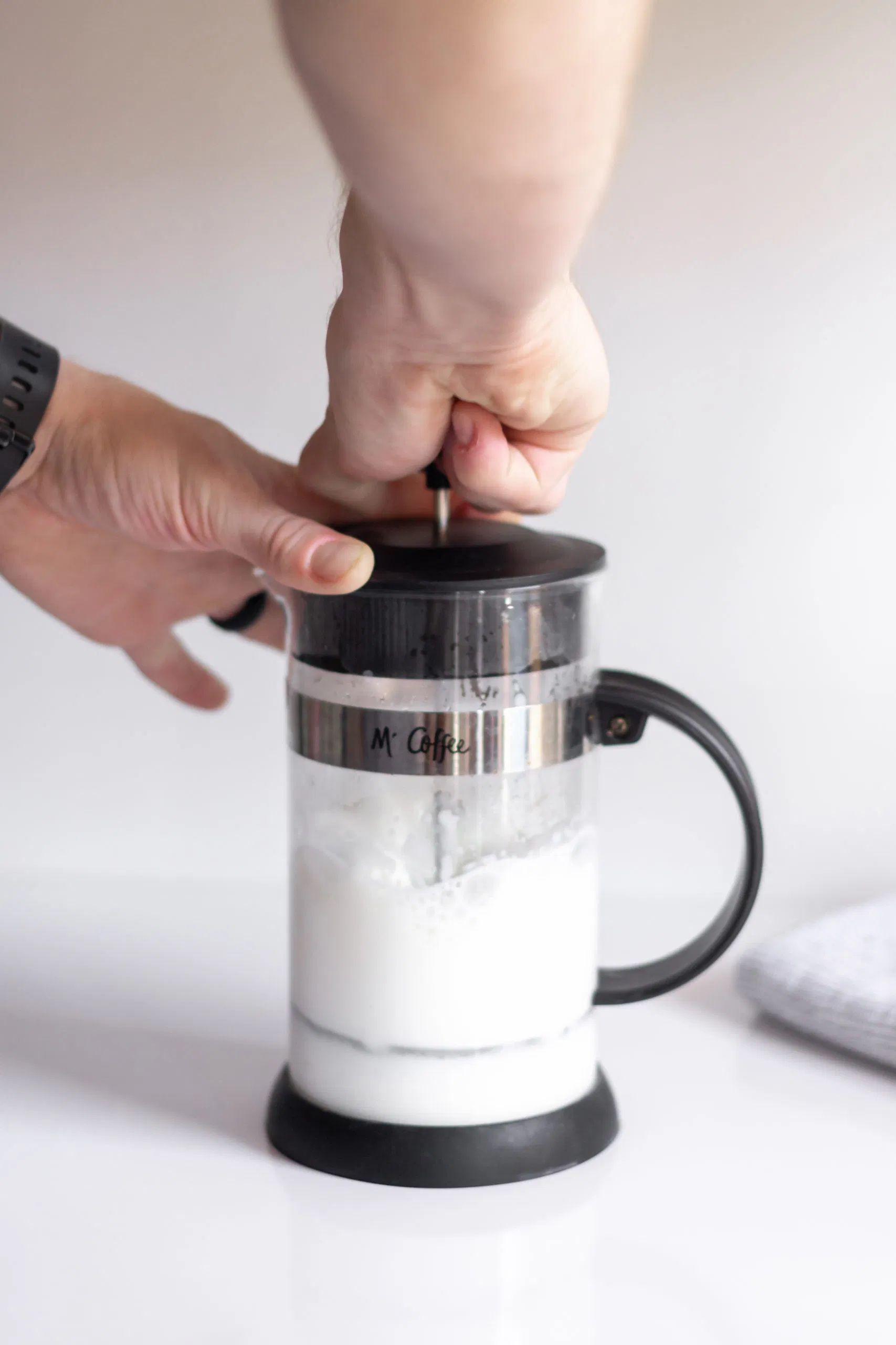 french press milk frothing